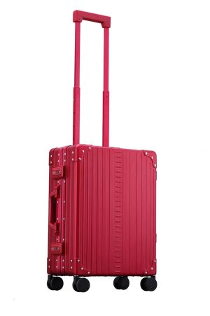 International-carry-on-21-inches-in-red